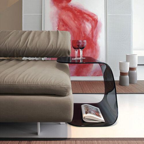 Bedside sivupöytä